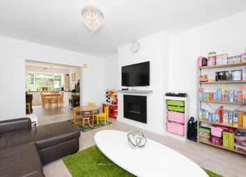 2 bed flat for sale in Cecil Close, Mount Avenue, London W5