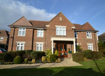 Thumbnail 2 bed flat for sale in Gills Hill, Radlett
