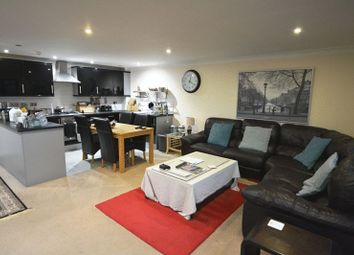 Thumbnail 3 bedroom flat for sale in Riverside Lawns, Peel Street, Lincoln