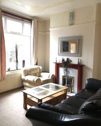 2 Bedrooms Terraced house to rent in Copsterhill Road, Oldham OL8