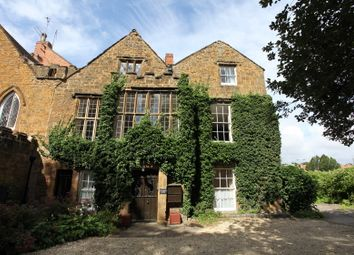 Thumbnail 2 bedroom flat to rent in Calthorpe Manor, Banbury