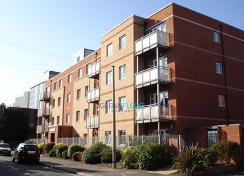 Thumbnail 3 bed flat to rent in Wexham Road, Slough