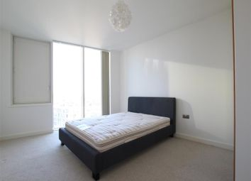 1 bed property to rent in High Street, London E15