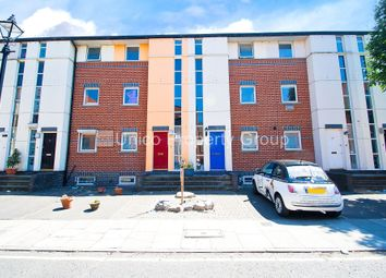 Thumbnail 5 bed town house to rent in Blondin Street, Bow