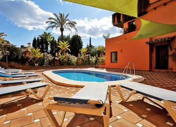 Thumbnail 2 bed apartment for sale in El Paraiso, Costa Del Sol, Andalusia, Spain