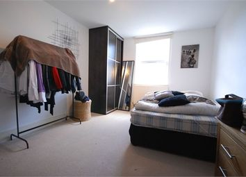 Thumbnail 2 bed flat to rent in Stockfield Road, London