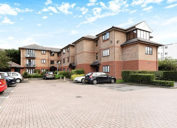 Thumbnail 2 bedroom flat to rent in Forlease Road, Maidenhead