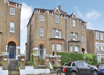 Thumbnail 2 bed flat to rent in Lordship Park, London