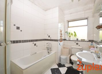 Thumbnail 4 bed flat to rent in Stroud Green Road, London