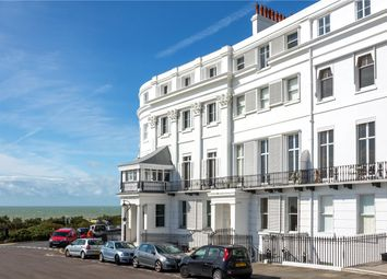 Thumbnail 2 Bed Flat To Rent In Lewes Crescent Brighton East Sus