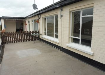 Thumbnail 3 bedroom flat to rent in Avenue Vivian, Scunthorpe