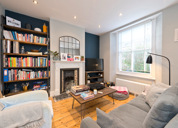Wingford Road, Brixton, London SW2. 1 bed flat for sale