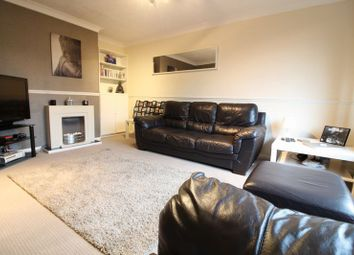 Thumbnail 2 bedroom maisonette for sale in Canterbury Close, Leagrave, Luton