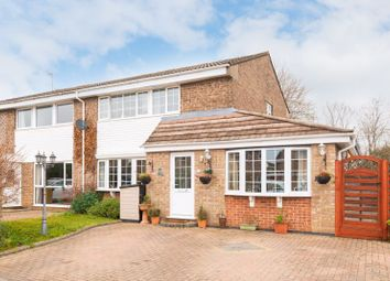 4 bed property for sale in Lancaster Close, Bicester OX26