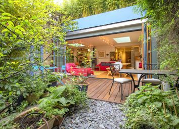 Thumbnail Property to rent in Oak Village, London