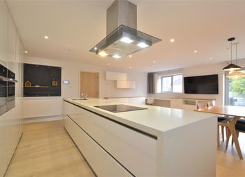 Thumbnail 2 bed flat for sale in Wellsway, Bath, Somerset