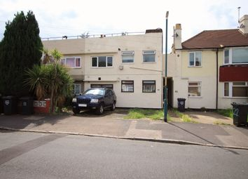 Thumbnail 2 bed flat to rent in Holmleigh Avenue, Dartford
