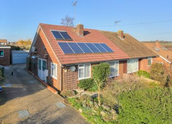 Thumbnail 2 bed bungalow for sale in Rye Hill, Harpenden, Hertfordshire