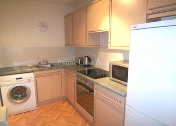 Thumbnail 2 bed flat to rent in Kilnside Road, Paisley