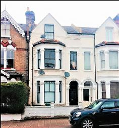 Thumbnail 5 bed shared accommodation to rent in Broomwood Road, London