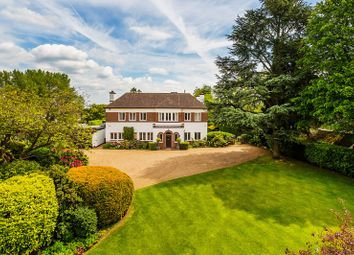 Northdown Road, Woldingham, Caterham, Surrey CR3. 5 bed country house