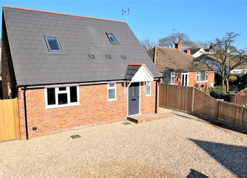 Thumbnail 3 bedroom detached house to rent in West End Road, Mortimer Common