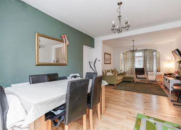 3 bed property for sale in Park Avenue, London NW10