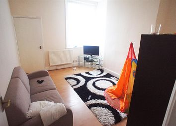 2 bed flat for sale in Green Lanes, London N13