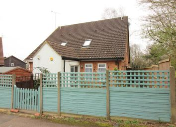 Thumbnail 1 bedroom property for sale in Shingle Close, Luton, Bedfordshire