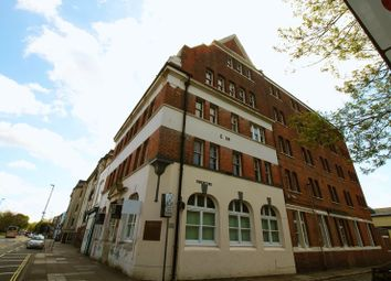 Thumbnail Room to rent in Aylward Street, Portsmouth