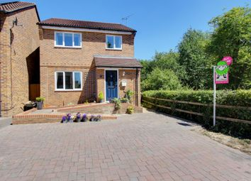 Thumbnail 3 bed detached house for sale in Willow Tree Glade, Calcot, Reading