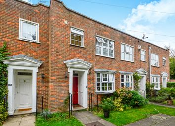 Thumbnail 3 bed town house for sale in Sadlers Mews, Maidenhead