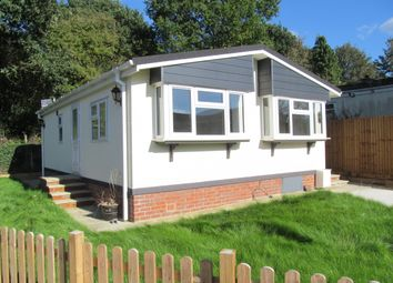2 bed mobile/park home for sale in Beech Crescent, Surrey Hills Park, Boxhill, Surrey KT20