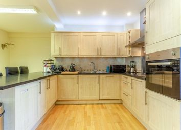 2 bed flat to rent in Marble House, Grosvenor Terrace, London SE5