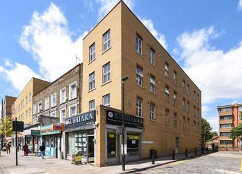 2 bed flat to rent in Bromehead Street, London E1