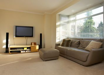 Thumbnail 4 bed town house to rent in Walkerscroft Mead, London