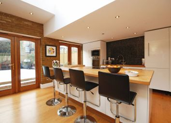 Thumbnail 4 bed property to rent in Romilly Road, Finsbury Park