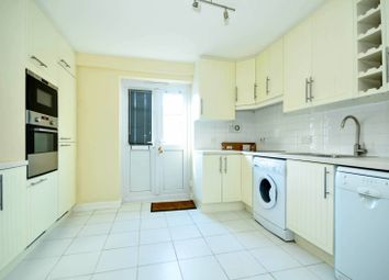 Thumbnail 2 bed property to rent in Francis Close, Canary Wharf