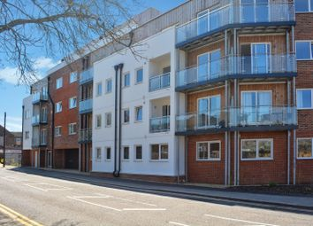 Thumbnail 1 bed flat to rent in Highview Court, Luton