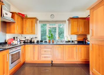 Thumbnail 2 bed flat to rent in Glencairn Road, London