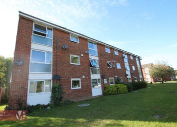 Thumbnail 2 bed flat to rent in Clyfton Close, Broxbourne