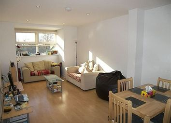 Thumbnail 1 bed flat to rent in Heathcote Road, Camberley