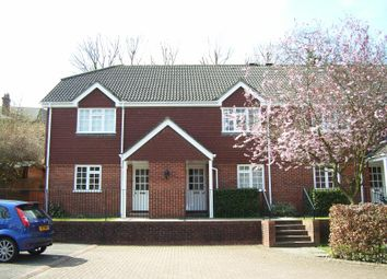 Thumbnail 1 bed flat to rent in Chesham Road, Guildford