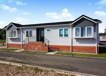 Thumbnail 2 bed mobile/park home for sale in Honeybourne Road, Alcester