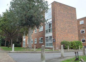 2 bed flat for sale in Essenden Road, Belvedere DA17