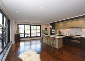 Thumbnail 2 bed flat for sale in Wandsworth High Street, London