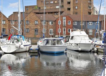 1 bed houseboat for sale in St Katharine Docks, Wapping E1W