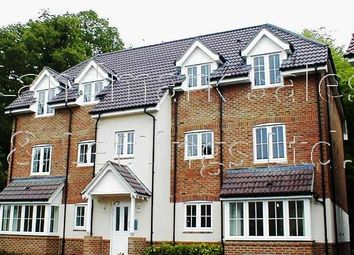 Thumbnail 2 bed flat to rent in Badgers Rise, Woodley, Reading