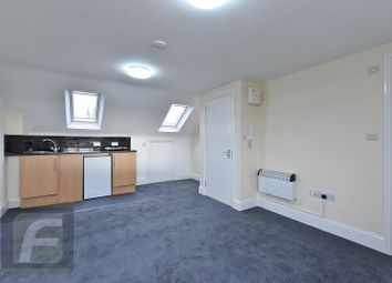 Thumbnail Studio to rent in Layfield Road, London
