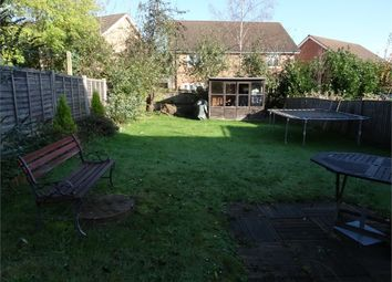 Thumbnail 2 bed flat to rent in Red Rose, Binfield, Berkshire